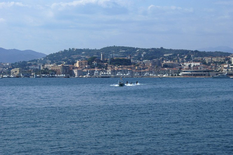 Cannes (Alpes-Maritimes) - Zoom en direction du Suquet